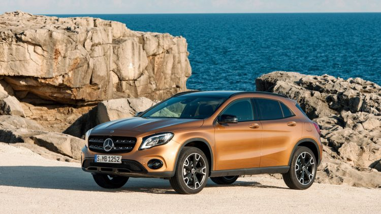 mercedes-benz-gla-2017-12