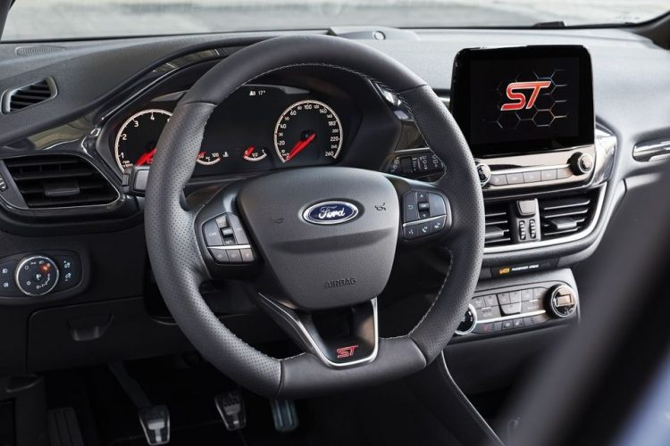 Ford-fiesta-st-2017-interior