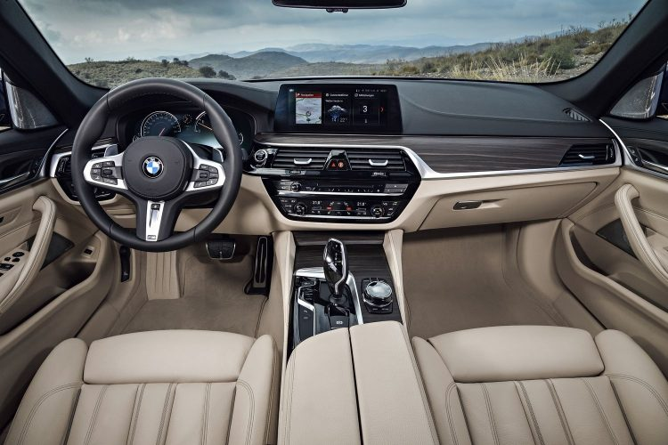 bmw-serie-5-touring-2017-interior