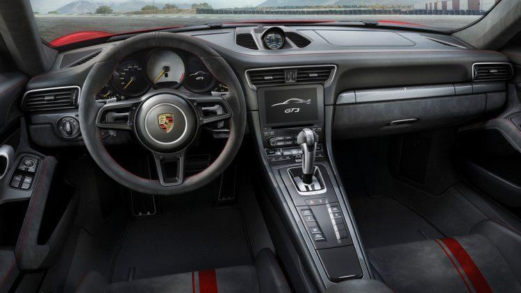 2017-nouvelle-porsche-911-gt3-5