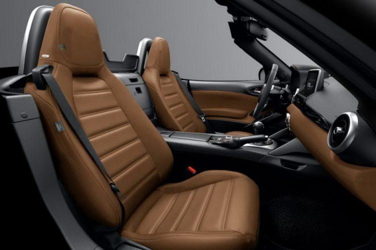 fiat-124-spider-america-2017-interior