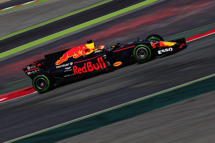 red-bull-racing-f1-barcelone-test