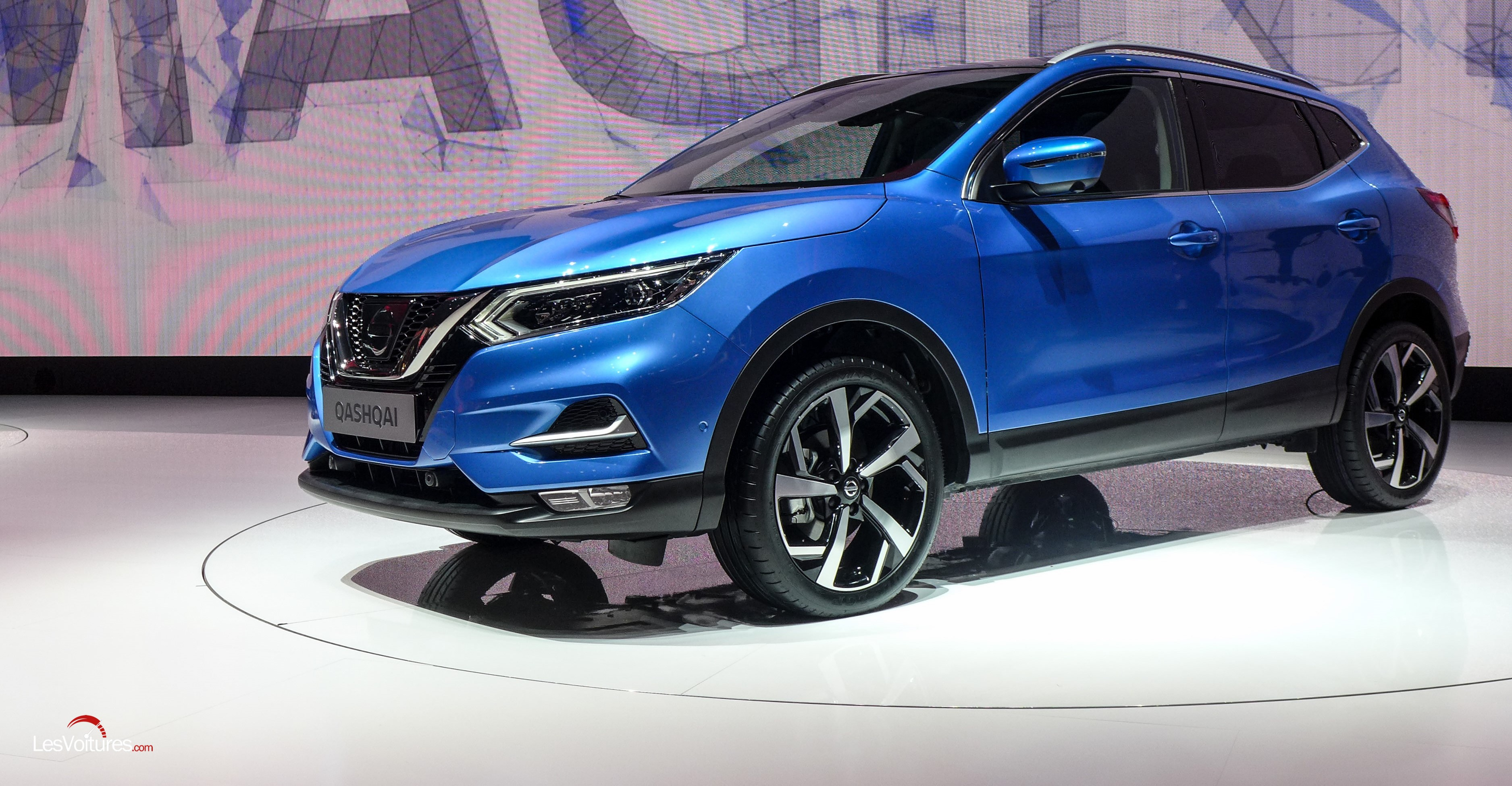 nissan qashqai le pionner des crossovers se refait une beaut technologique les voitures. Black Bedroom Furniture Sets. Home Design Ideas