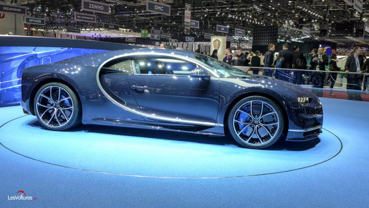 salon-geneve-2017-29-bugatti-chiron-bleu-royal
