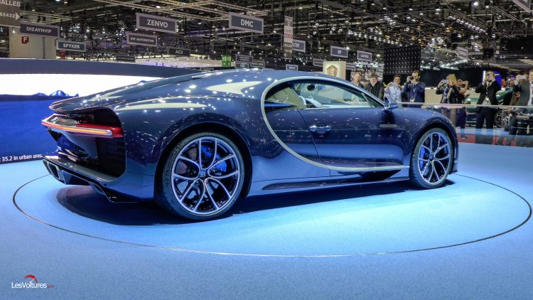 salon-geneve-2017-30-bugatti-chiron-bleu-royal