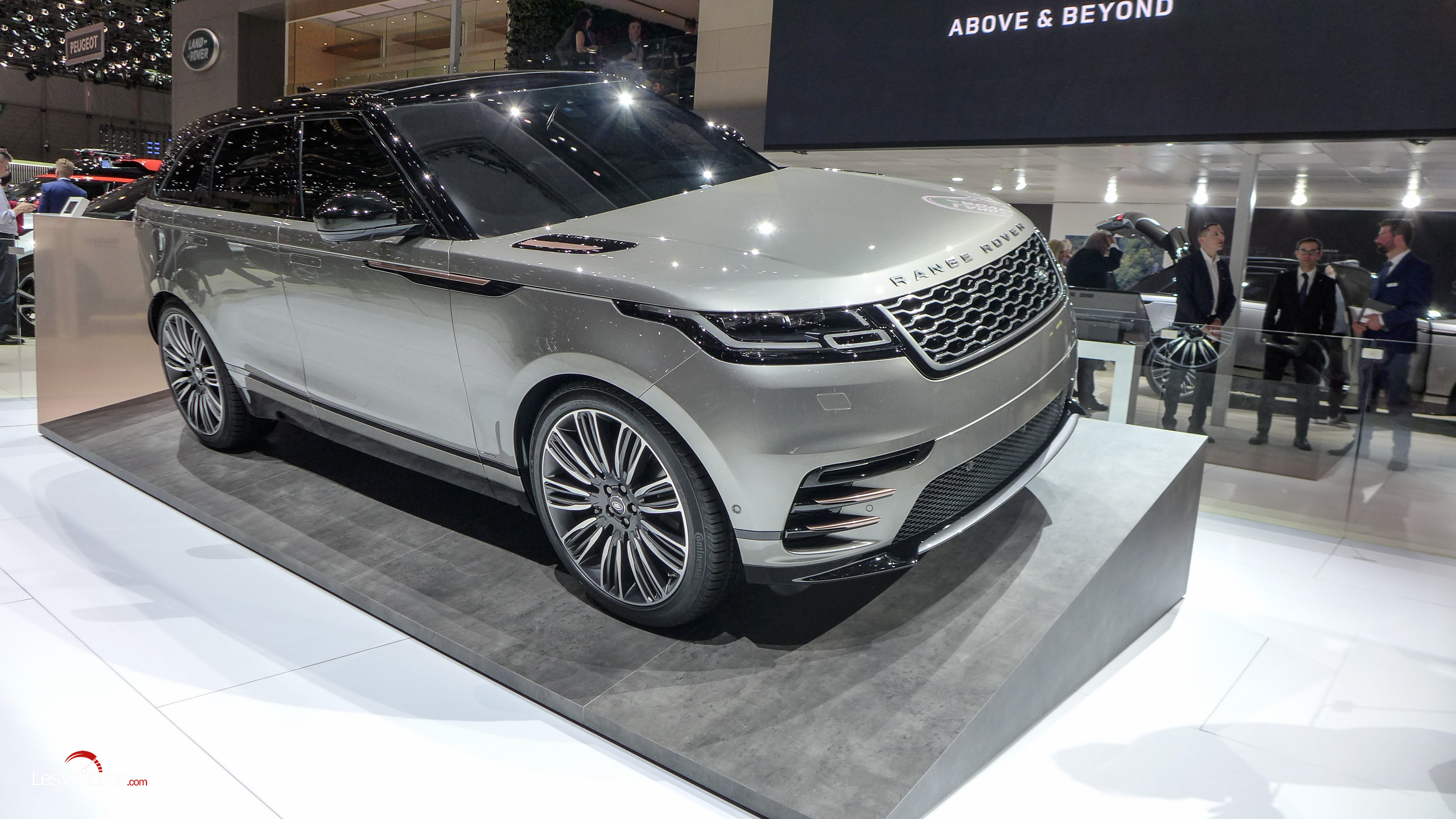 land rover range rover velar le nouveau suv coup d barque au salon de gen ve les voitures. Black Bedroom Furniture Sets. Home Design Ideas