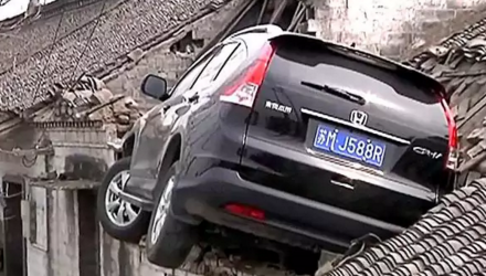 suv-china-crash-toit-roof-video