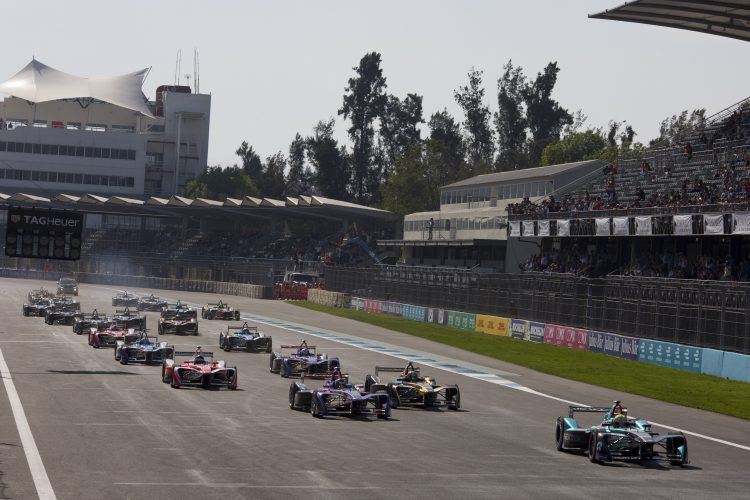 2016/2017 FIA Formula E Championship. Aut—dromo Hermanos Rodr'guez, Mexico City, Mexico Saturday 1 April 2017. The start Photo: Alastair Staley/LAT/Formula E ref: Digital Image 585A6925