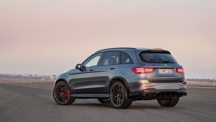 mercedes-amg-glc63-coupe-2017-14