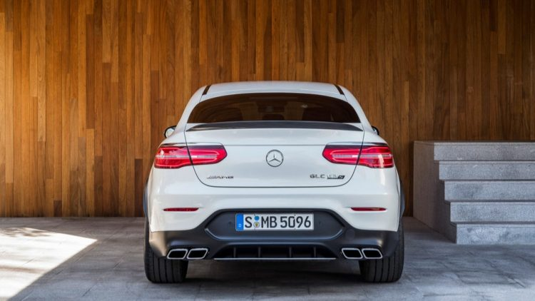mercedes-amg-glc63-coupe-2017-15