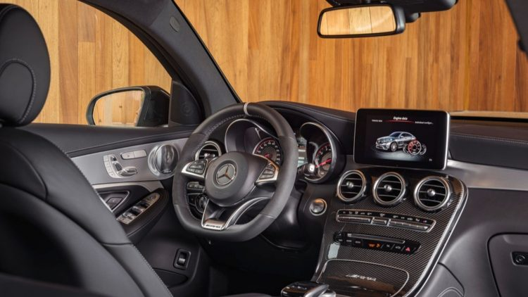 mercedes-amg-glc63-coupe-2017-20