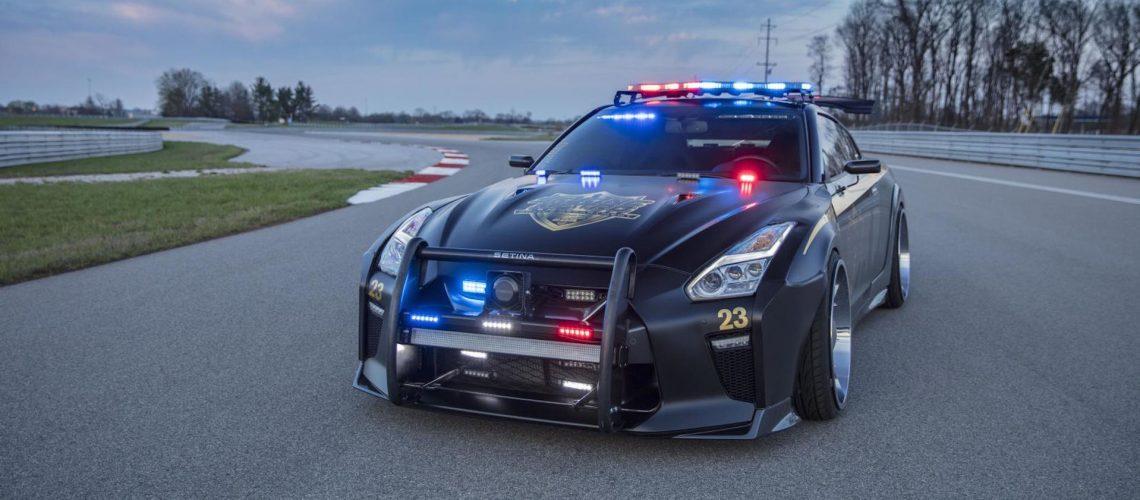 nissan-gt-r-police-pursuit-salon-new-york-2017-copzilla-godzilla