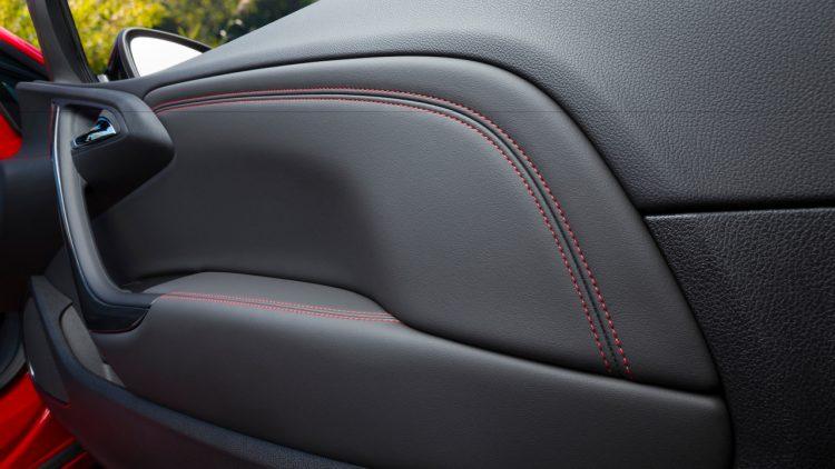 opel-cascada-supreme-cabriolet-2017-interior