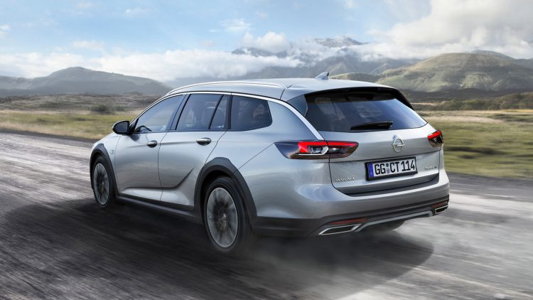 opel-insignia-country-tourer-break-back