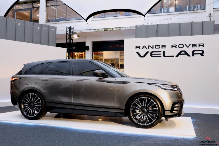 range rover velar il s expose pour la premi re fois. Black Bedroom Furniture Sets. Home Design Ideas