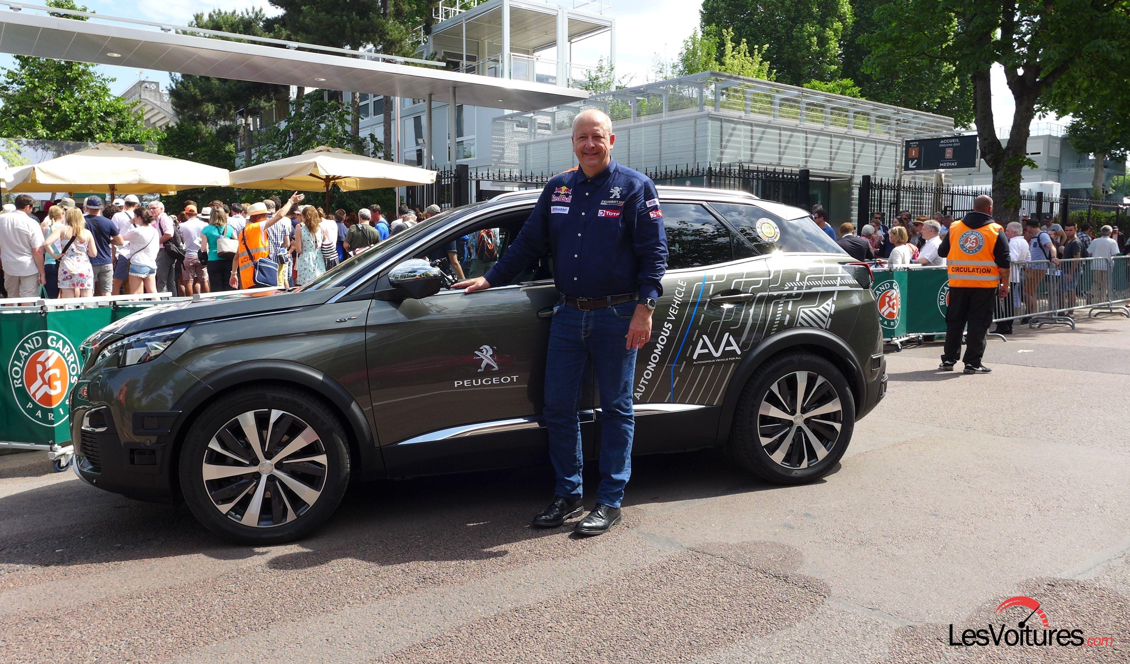 Volkswagen tiguan une version xl 7 places en 2017 et coup en 2018 les voitures - Garage peugeot bourg la reine ...