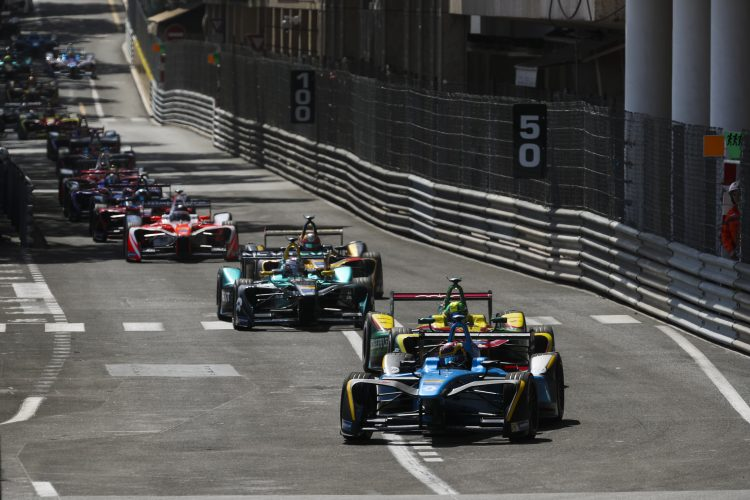 2016/2017 FIA Formula E Championship. Monte-Carlo, Monaco Saturday 13 May 2017. Sebastien Buemi (SUI), Renault e.Dams, Spark-Renault, Renault Z.E 16, leads at the start of the race. Photo: Malcolm Griffiths/LAT/Formula E ref: Digital Image MALC1647