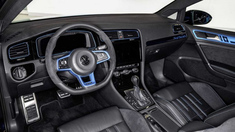worthersee-2017-volkswagen-golf-gti-first-decade-interior
