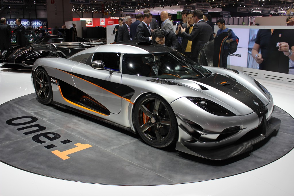 koenigsegg agera rs le mirage 2000 atterrira gen ve les voitures. Black Bedroom Furniture Sets. Home Design Ideas