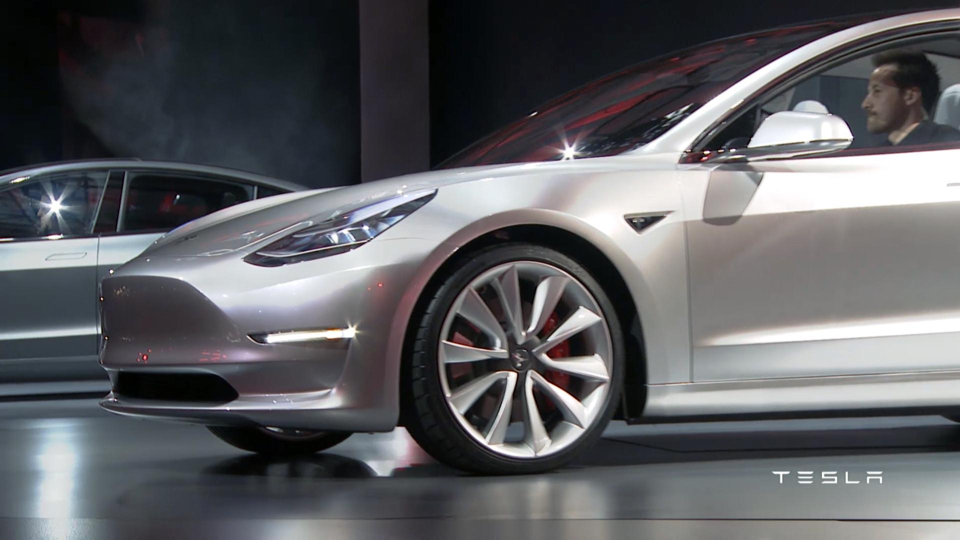 Tesla Model on Alfa Romeo Suv
