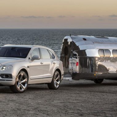 Bentley Bentayga : prêt pour le camping de luxe grâce à l'option attelage…