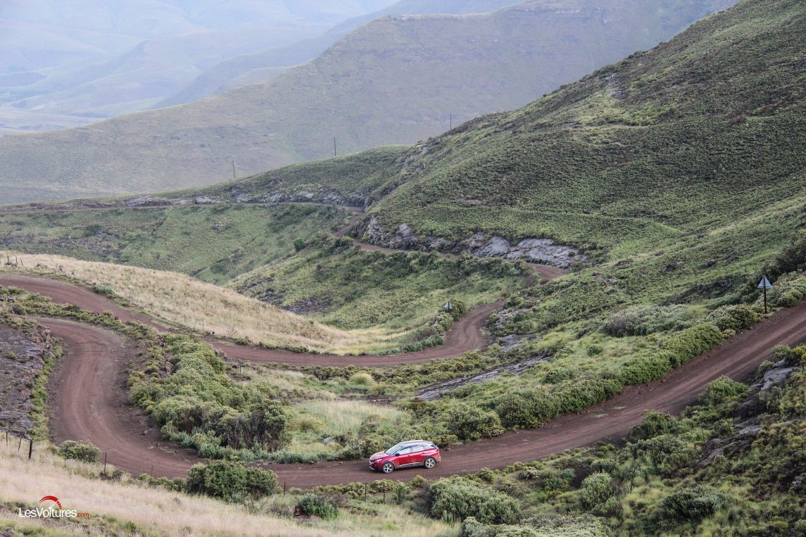 afrique-de-sud-34-road-trip-les-voitures-m6-turbo-seat-ateca-peugeot-3008-nissan-qashqai