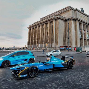 Vidéo : un duo Renault sportif et électrique dans les rues de Paris !