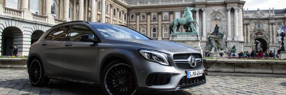 Mercedes-Benz : la gamme AMG à Budapest, reportage…