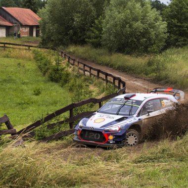 WRC – Pologne : Thierry Neuville vainqueur met la pression sur Ogier !