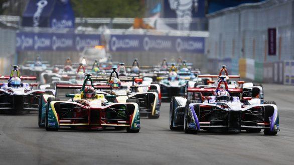 2016/2017 FIA Formula E Championship. Round 9 - New York City ePrix, Brooklyn, New York, USA. Saturday 15 July 2017. Daniel Abt (GER), ABT Schaeffler Audi Sport, Spark-Abt Sportsline, ABT Schaeffler FE02, leads Alex Lynn (GBR), DS Virgin Racing, Spark-Citroen, Virgin DSV-02, at the start. Photo: Sam Bloxham/LAT/Formula E ref: Digital Image _W6I2800