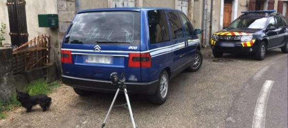 faux-gendarme-gard-peugeot-806