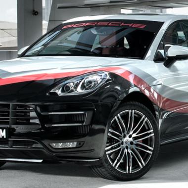 Porsche Macan Turbo Pack Performance : une livrée «919 Hybrid» en Asie…