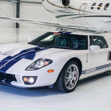Ford GT : un exemplaire quasi-neuf de 2006 à vendre aux enchères