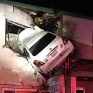 USA : un automobiliste «s'incruste» dans un immeuble