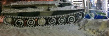 Russie : un homme ivre vole un char et défonce un supermarché (vidéo)