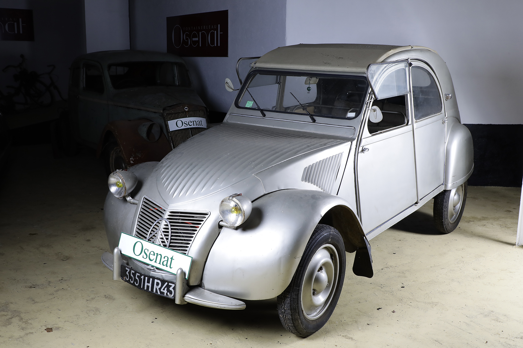 Mercedes benz classe g 63 amg inkas pour les mafieux ou for Garage peugeot espelette