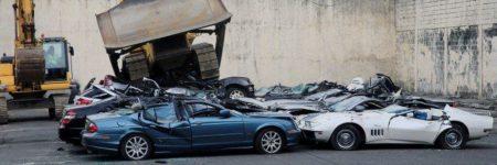 Philippines : des voitures de luxe broyées en direct à la TV (vidéo)
