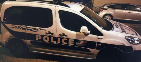 voiture-police-insule