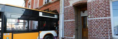 Pas-de-Calais : un bus s'invite chez l'habitant