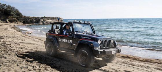 jeep-wrangler-italie-plage-police-2018-2