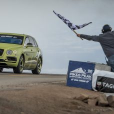 Pikes Peak : le Bentley Bentayga devient le SUV le plus rapide