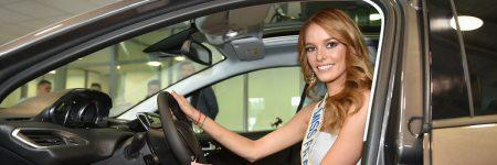 Miss France : Maëva Coucke roule en Peugeot 2008
