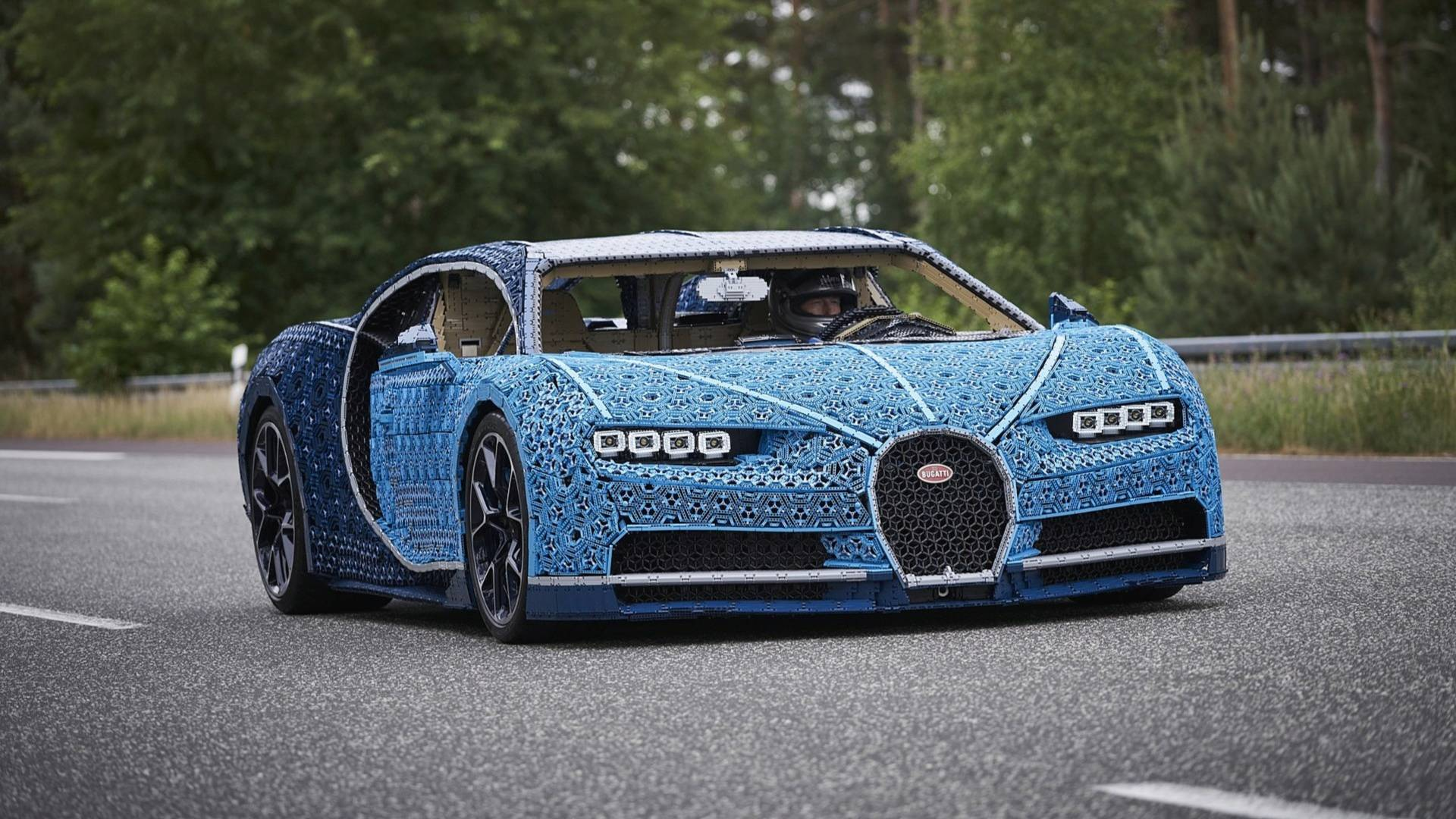 bugatti chiron lego une hypercar dingue taille r elle les voitures. Black Bedroom Furniture Sets. Home Design Ideas