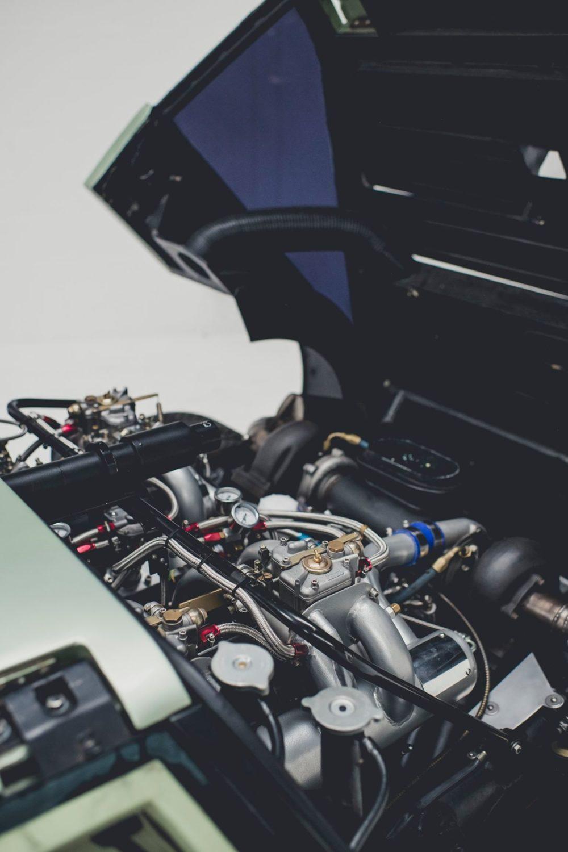 [Image: Aston-Martin-Bulldog-concept-car-2020-Cl...0x1500.jpg]