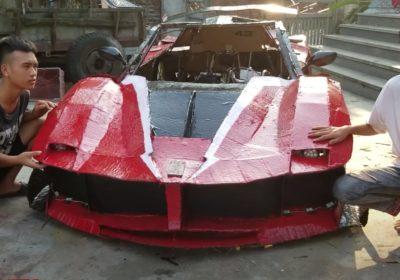 Ferrari en carton