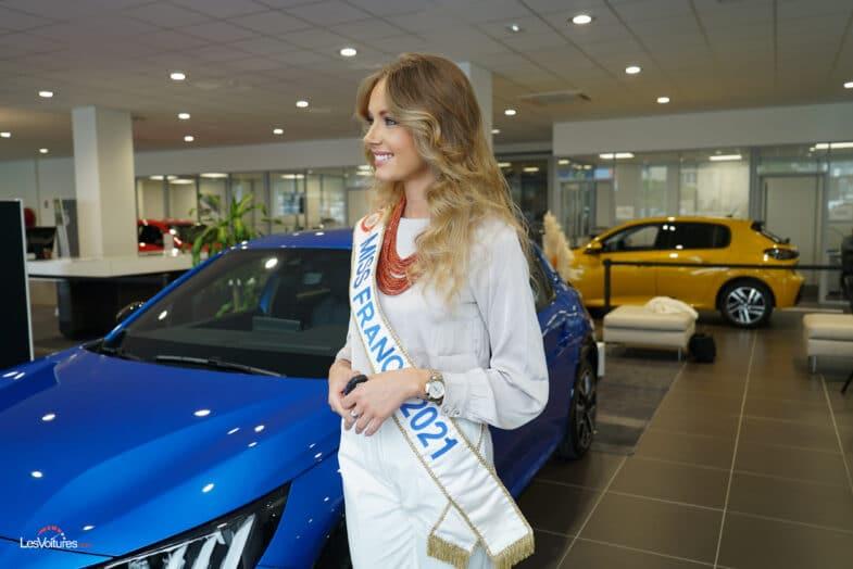 Miss France Peugeot e-208 voiture électrique