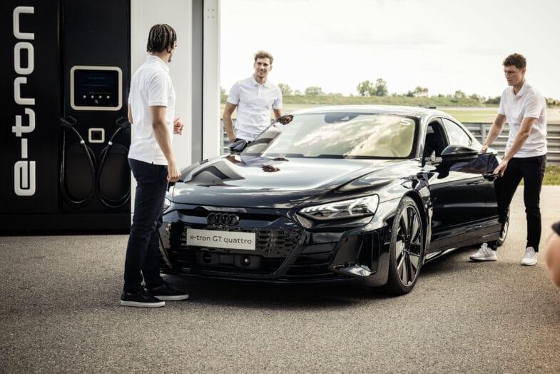 FC Bayern Munich Audi e-tron GT Benjamin Pavard