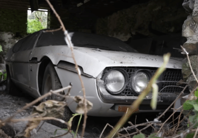 Lamborghini Espada sortie de grange