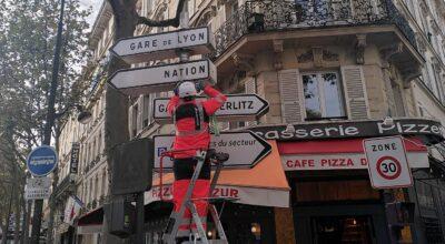 panneaux de direction Paris Anne Hidalgo